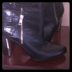 Ann Taylor booties, black leather